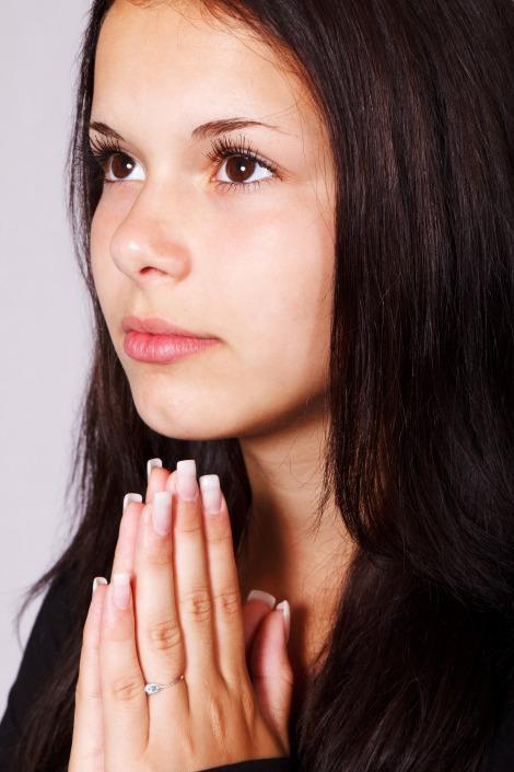 woman_praying_197446